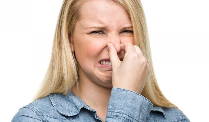 Неприятный запах после молочницы у женщин
