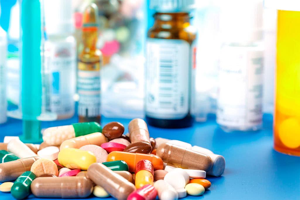 Дмитрий Медведев утвердил перечень жизненно необходимых и важнейших лекарственных препаратов на 2018 год