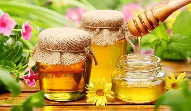 Мед при молочнице у женщин