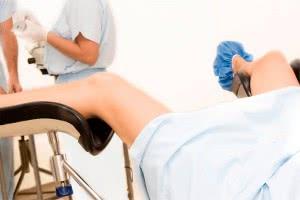 Женщина на плановом приеме у гинеколога